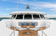 Broadwater Luxury Yacht Image 9
