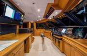 Broadwater Luxury Yacht Image 15